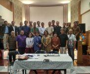 Foto Bersama Acara Pertemuan Ketua dan Bendahara Anggota PGIW Jabar, di GBI Paturiani, Jl. Terate 8 Bandung.